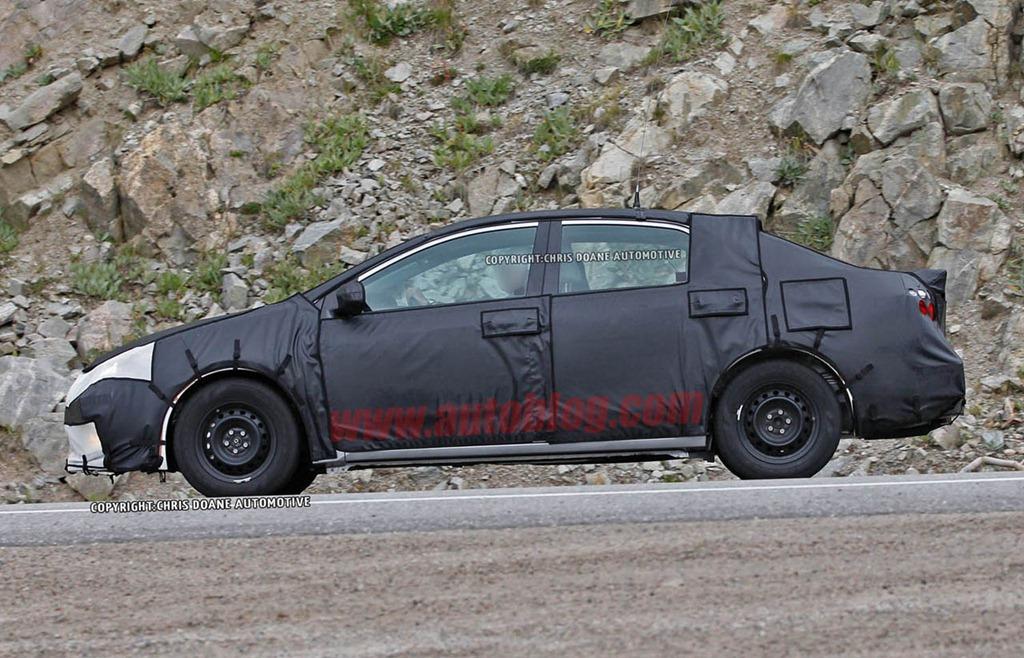 Nuevo Toyota Corolla 2014, en pruebas. Nueva proyección. | AUTO