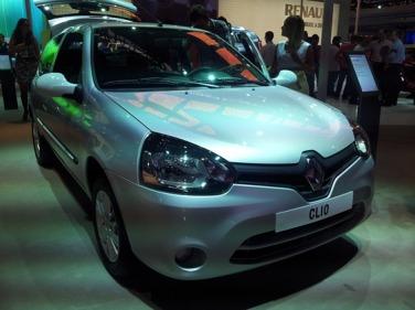 """Sin dudas el Nuevo Renault Clio Mío ha recibido una interesante  """"refrescada"""" en su aspecto que lo moderniza y pone en línea con el nuevo  estilo de diseño de ... b5dd9a35db5"""