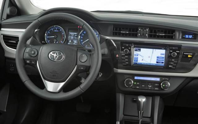continuación fotos del interior del Nuevo Toyota Corolla Altis: