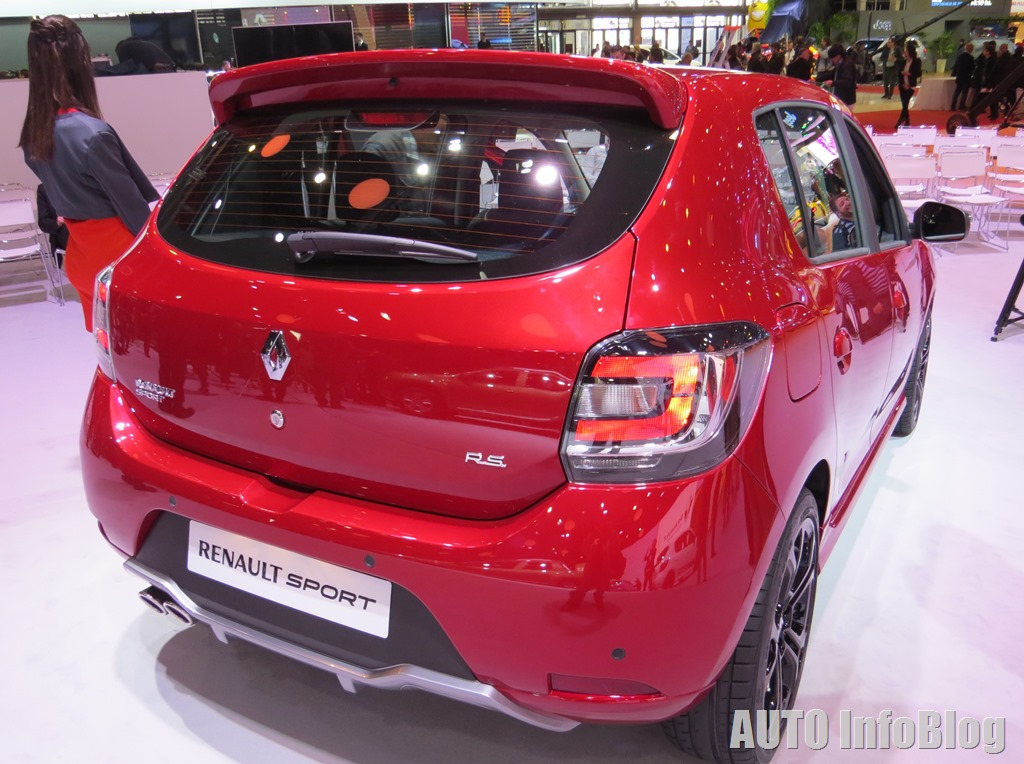 Salon BsAs 2015-Renault (18)
