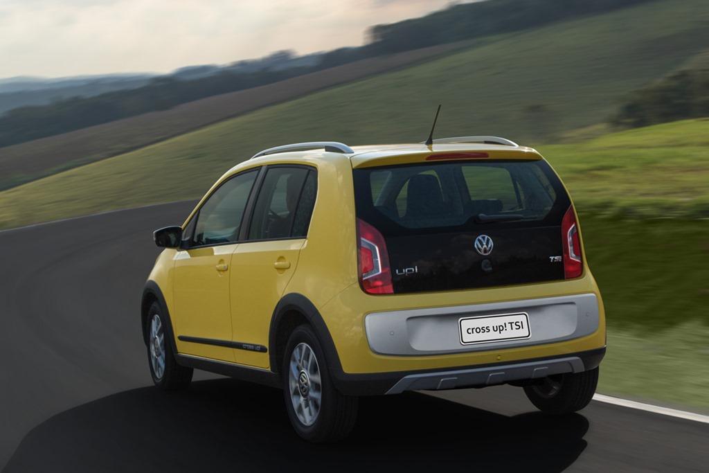 Volkswagen_cross_up_TSI_13